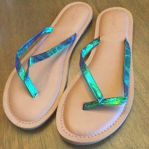 🌟NWT Cat & Jack Girls Green Sandals XL(6)